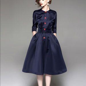 Blue wide bottom long sleeves body shape dress
